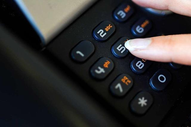 Lichtblick am Telefon: Besuchsdienst telefoniert in Corona-Zeiten mit Senioren