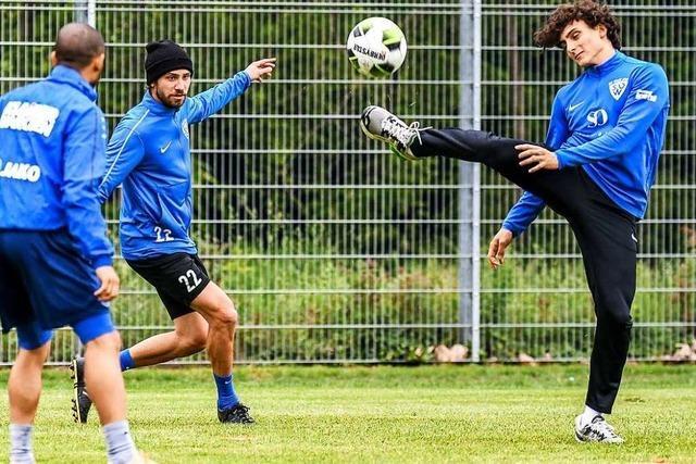 Fotos: Fußballer des SV Weil trainieren erstmals seit Beginn der Corona-Krise