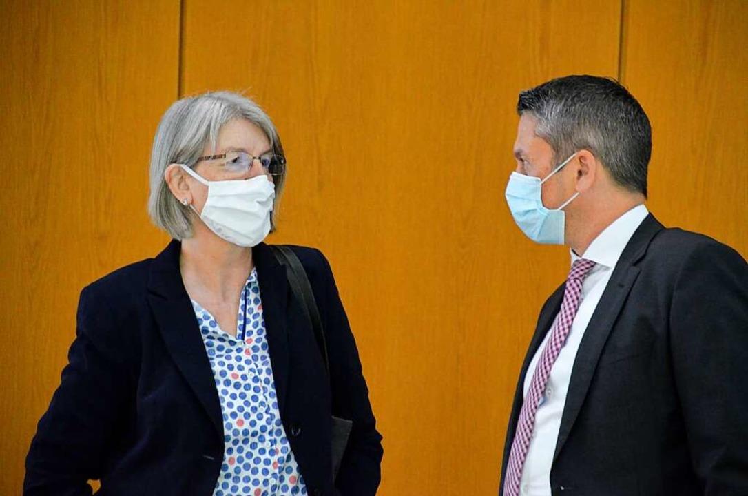 Vorbildliche Arbeitskleidung: Doris Re...nd Christian Keller (Ortenau-Klinikum)  | Foto: hrö