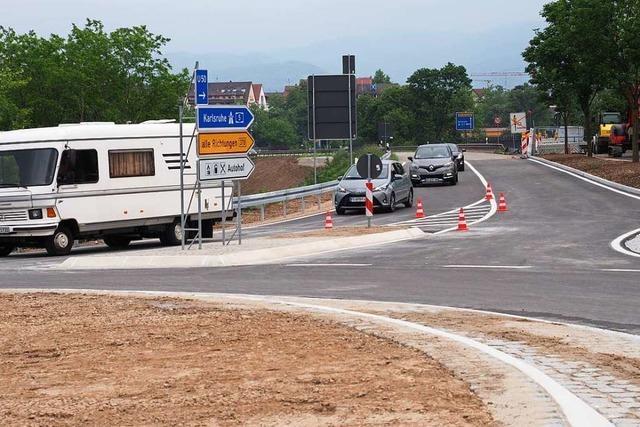 Der neue Kreisverkehr an der Anschlussstelle Neuenburg ist offen