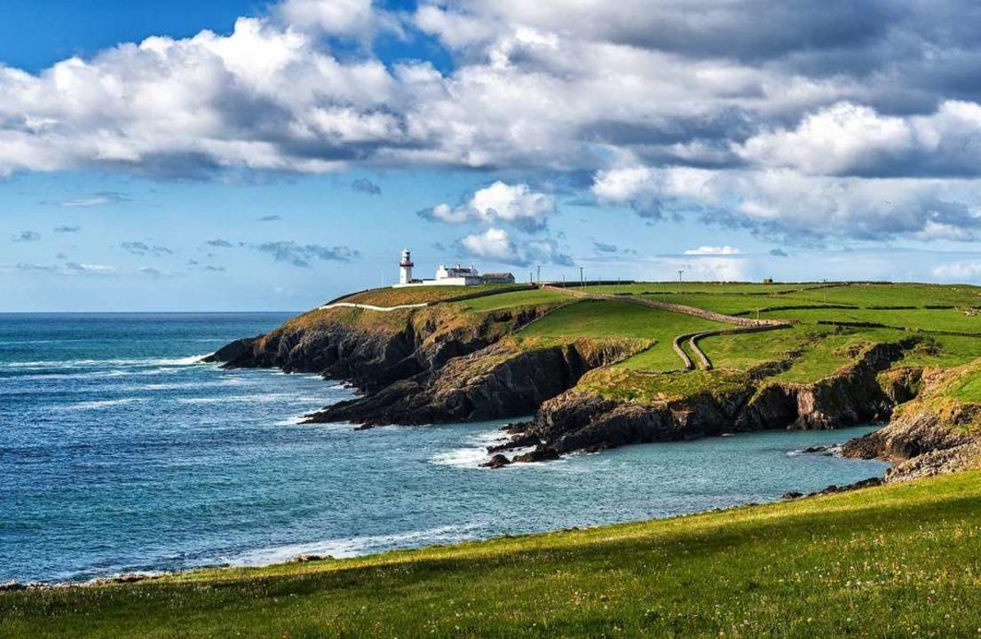 Ein Leuchtturm an der Landspitze Toe Head in West Cork, Irland.  | Foto: Stefan Schnebelt Photography