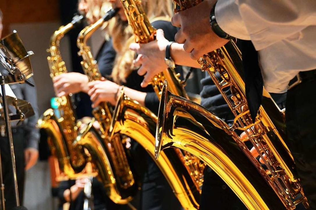 Weniger gefährlich in Corona-Zeiten al...htet: das Spielen von Blasinstrumenten  | Foto: Kathrin Blum