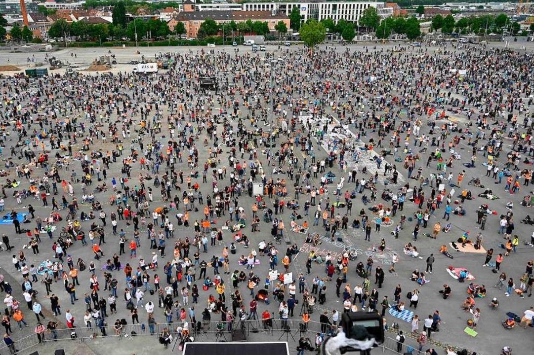 Die sogenannte Hygiene-Demo vergangene Woche.  | Foto: MARKUS RIEDLE (AFP)