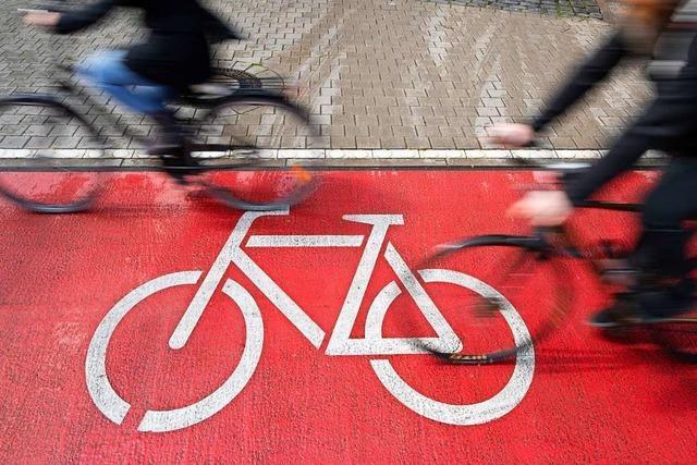 Wie lässt sich eine gefährliche Stelle an einem Radweg entschärfen?