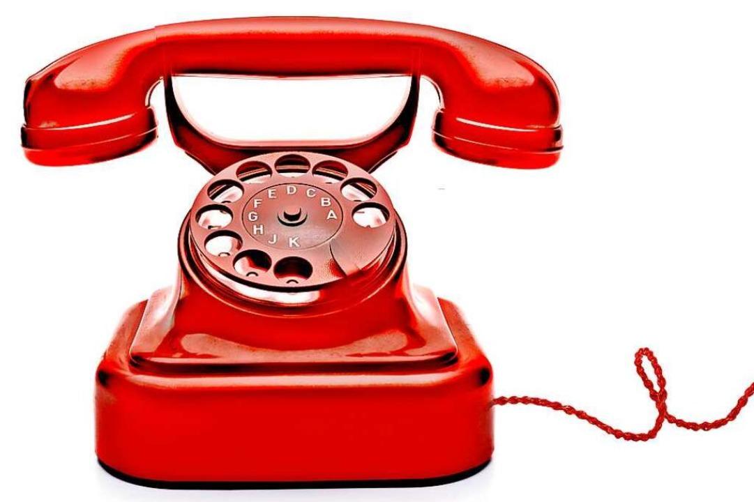 Junge Menschen, die Whatsapp-Anrufe ih...t Wählscheibe wohl nur vom Hörensagen.  | Foto: by-studio busse yankushev