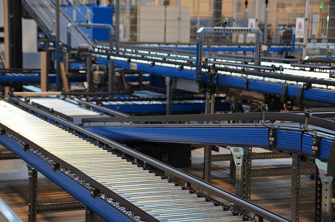 Rollband im Distributionszentrum der Sick AG in Waldkirch  | Foto: Sylvia Sredniawa