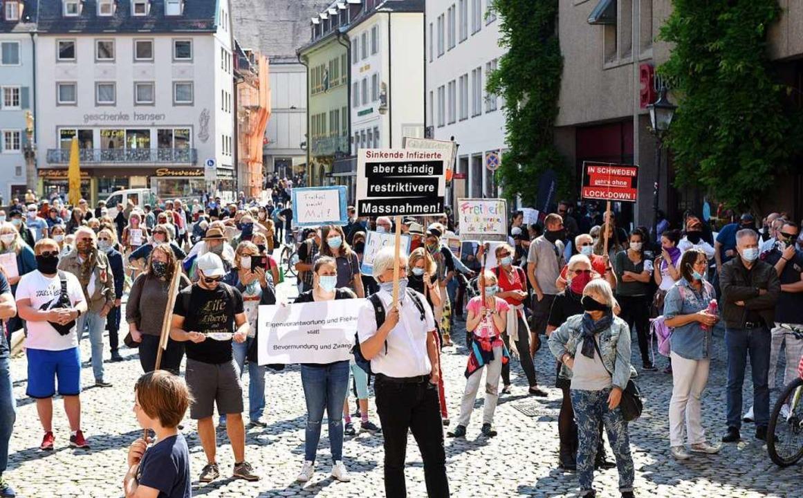 Mahnwache auf dem Münsterplatz  | Foto: Rita Eggstein