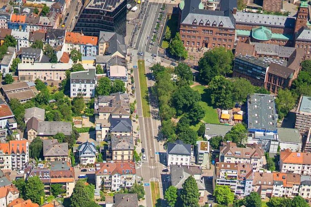 In Freiburg soll es nahe der Kreuzung ..., bei der zwei Männer verletzt wurden.  | Foto: Nils Theurer