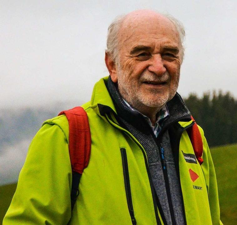 Bezirkswegewart Lothar Pforte auf dem Schauinsland.  | Foto: Gabriele Hennicke