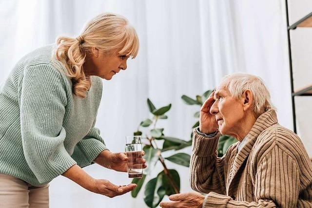 Wie die Pflege alter Eltern über große Distanz gelingen kann