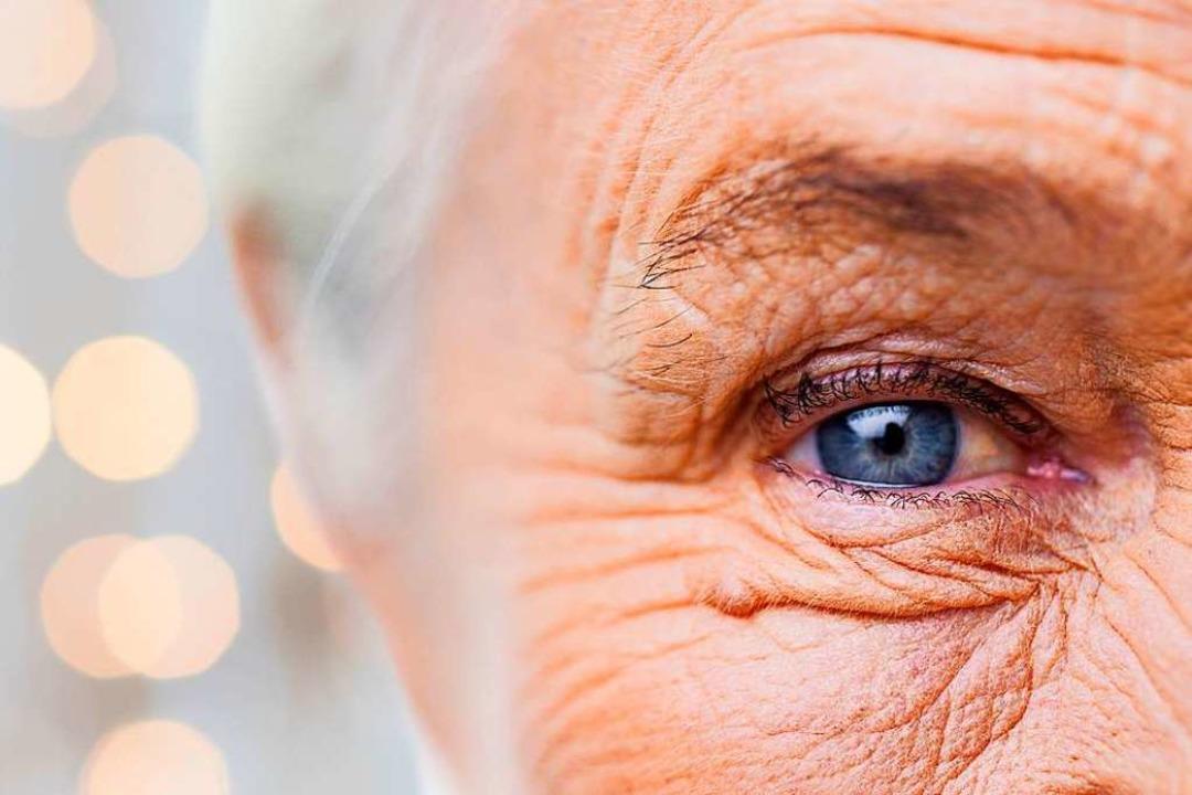 Wer schau nach den Senioren?  | Foto: lev dolgachov / stock.adobe.com