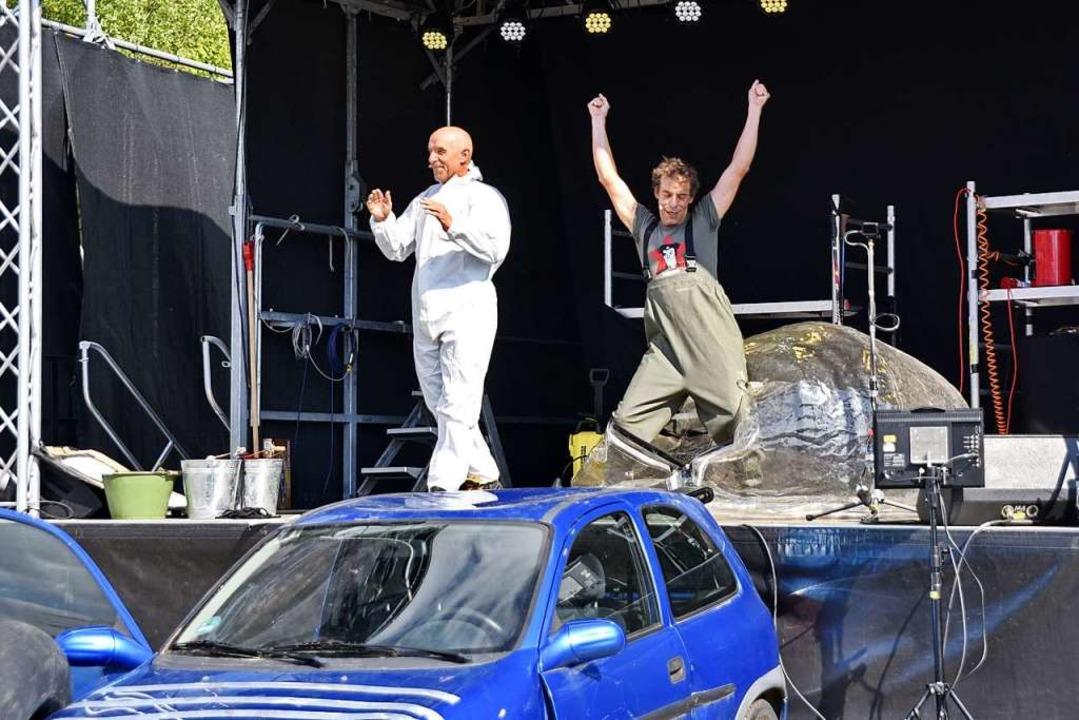 Das Chaos-Theater Oropax im Autokino Titisee.  | Foto: Philippe Thines