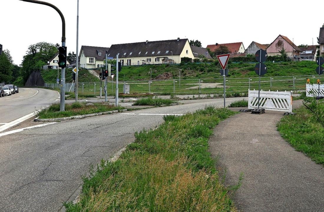 Hier soll das neue Parkhaus in Neuenburg entstehen.   | Foto: Dorothee Philipp