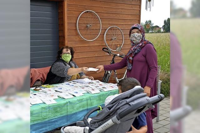 Fleißige Frauen nähen 150 Masken