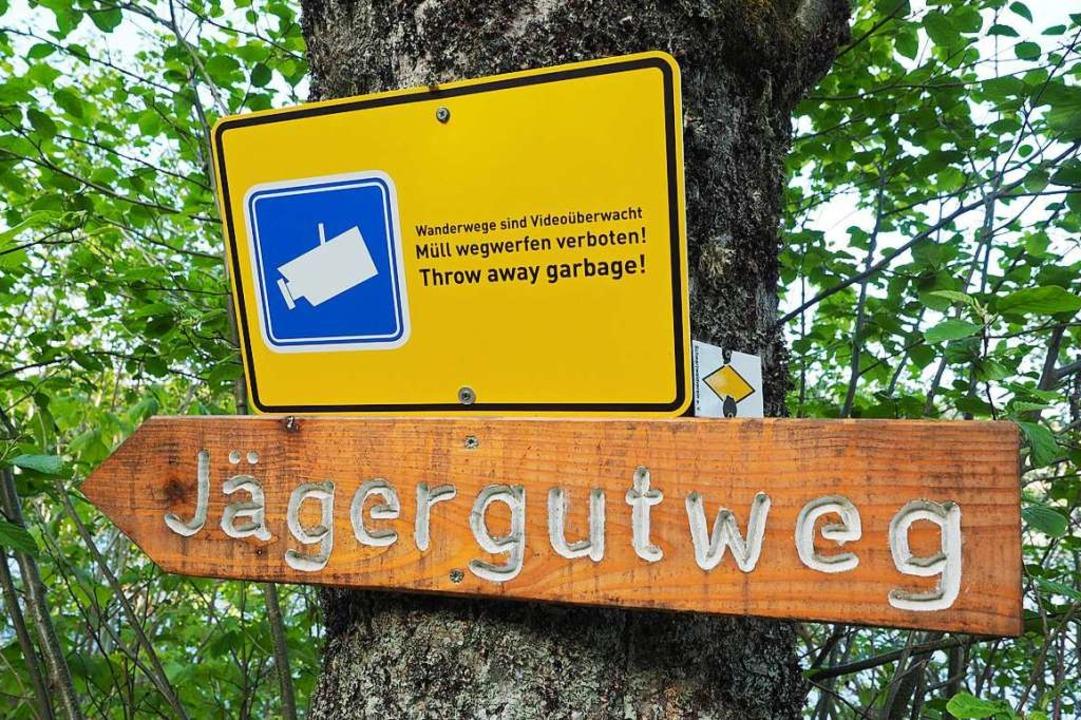 Werden Wanderwege am Schluchsee videoü...Dieses Schild suggeriert es zumindest.    Foto: Susanne Gilg