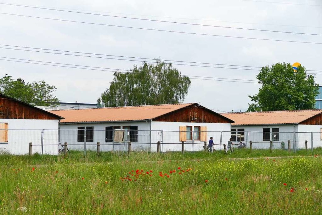 Die Gemeinschaftsunterkunft in der Rhe...ainern um 144 Plätze erweitert werden.  | Foto: Ralf H. Dorweiler