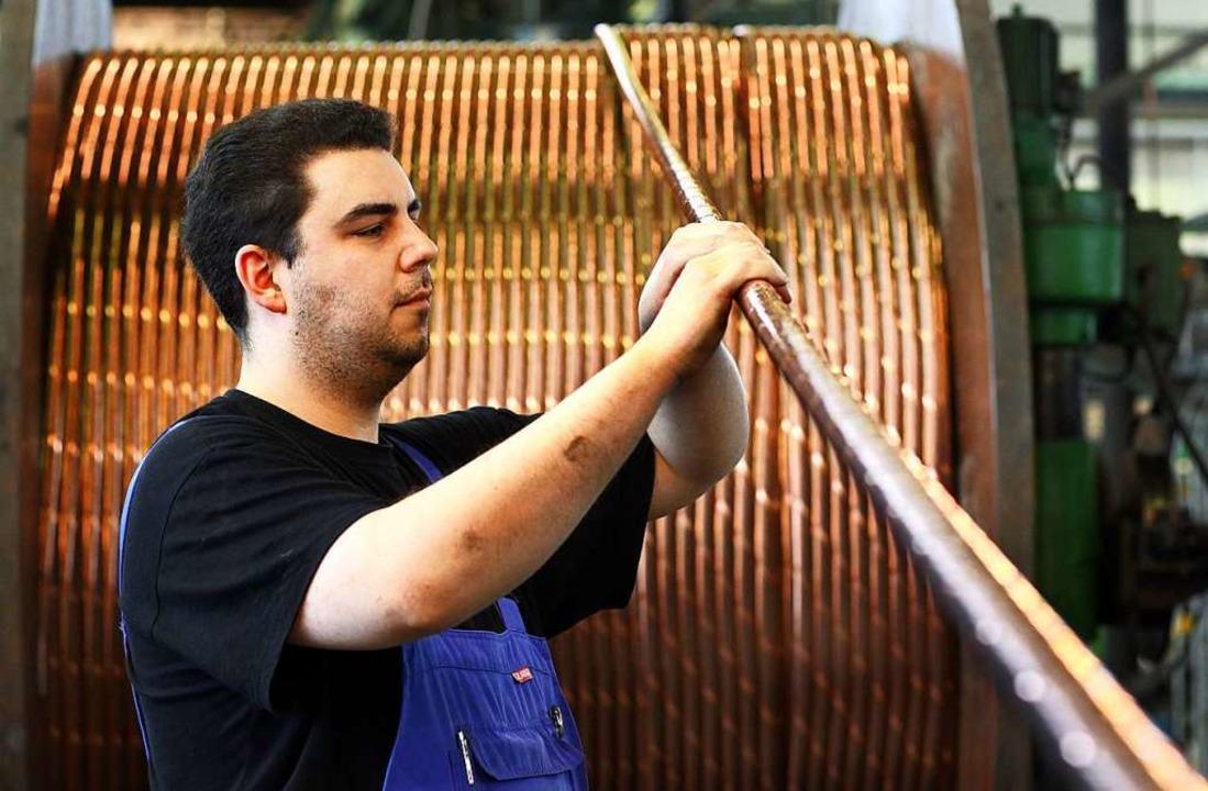 Kupfer ist ein begehrter Rohstoff. Hie... Kupferrohr in einer Produktionsstätte  | Foto: Jens Büttner