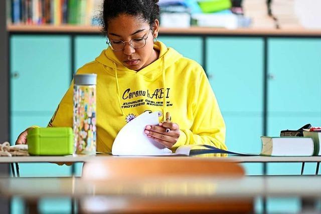 Realschüler starten verspätet in ihre Abschlussprüfungen