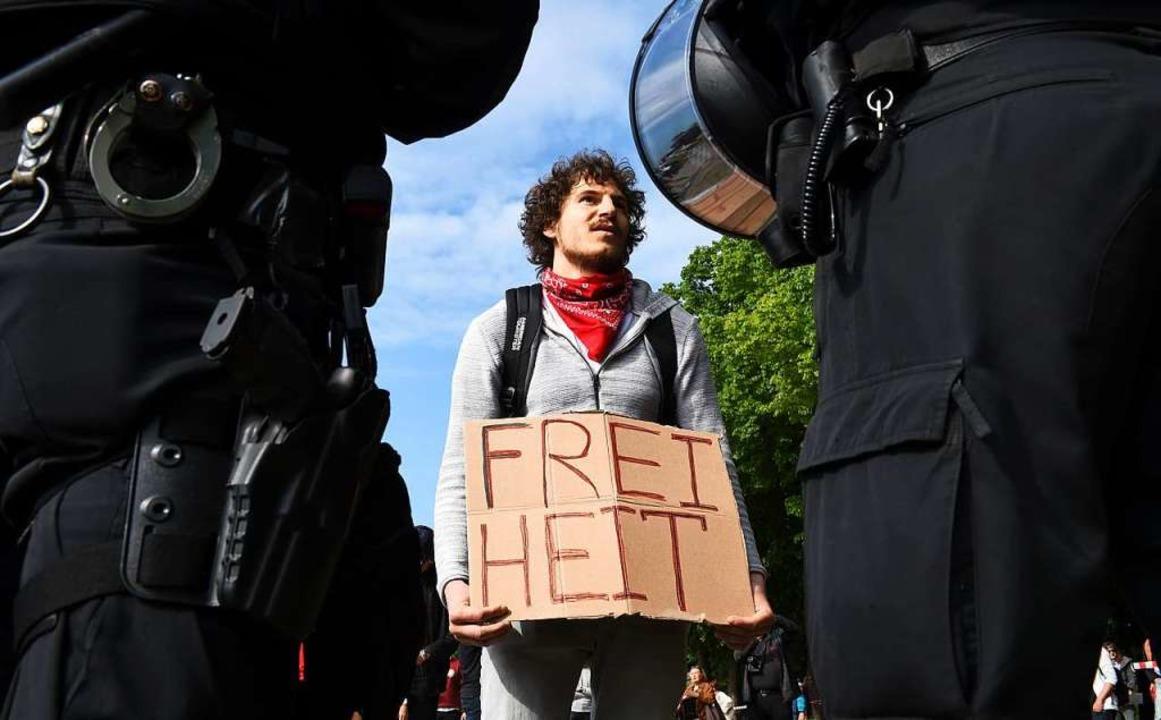 Protest gegen die Corona-Maßnahmen seitens der Politik in München.  | Foto: CHRISTOF STACHE (AFP)