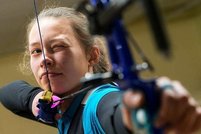 Die Freiburger Bogenschützin Nicola Koch trainierte in der Garage