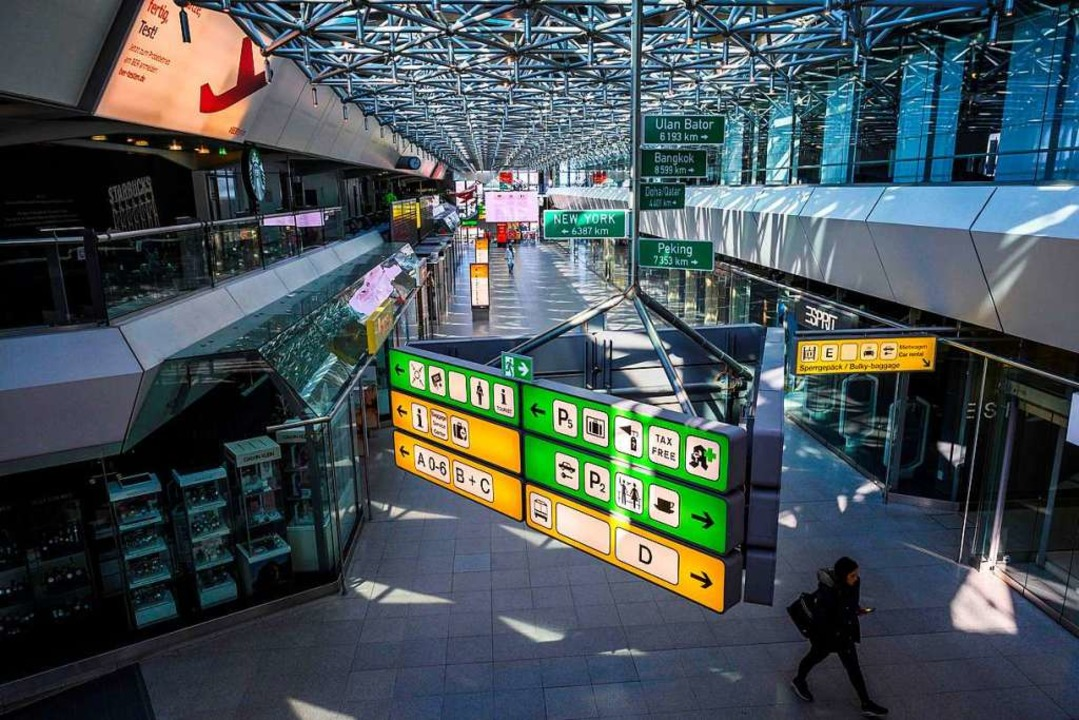 Reisende schätzten seine extrem kurzen Wege: Der Flughafen Tegel.  | Foto: JOHN MACDOUGALL (AFP)
