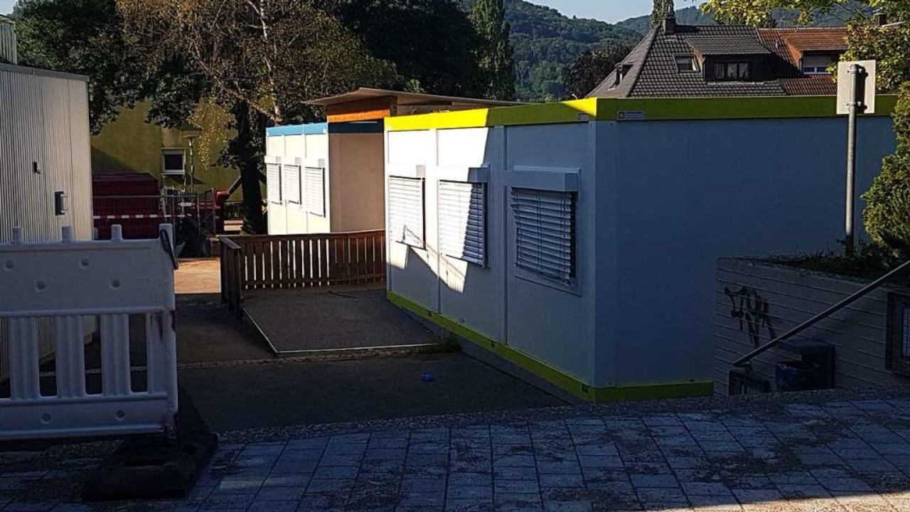 Wann die Container auf dem Gelände der...atz für die Planung drastisch gekürzt.  | Foto: Axel Kremp
