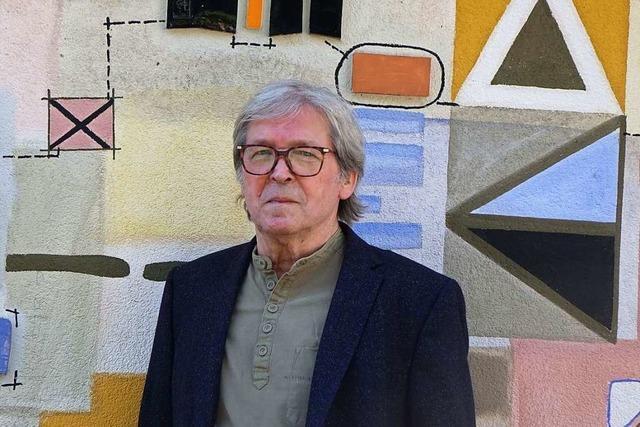 Der Maulburger Künstler Bruno Haas verkauft ein Werk für den guten Zweck