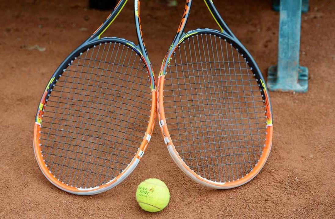 Beim Tennis ist Abstandhalten einfacher.    Foto: Patrick Seeger