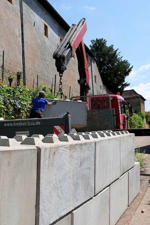 Die Betonbarrieren kommen weg  | Foto: Hans-Peter Müller