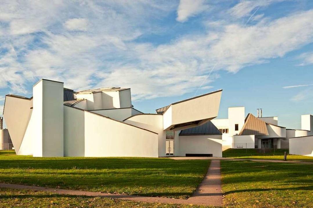 Derzeit dürfen maximal 30 Besucher gleichzeitig ins Vitra Design Museum.  | Foto: Bettina Matthiesen
