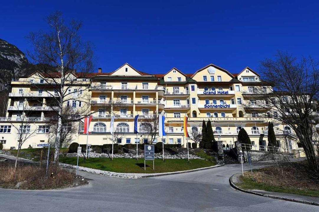 Das Grand Hotel Sonnenbichl in Garmisc...iert der thailändische König momentan.  | Foto: - (dpa)