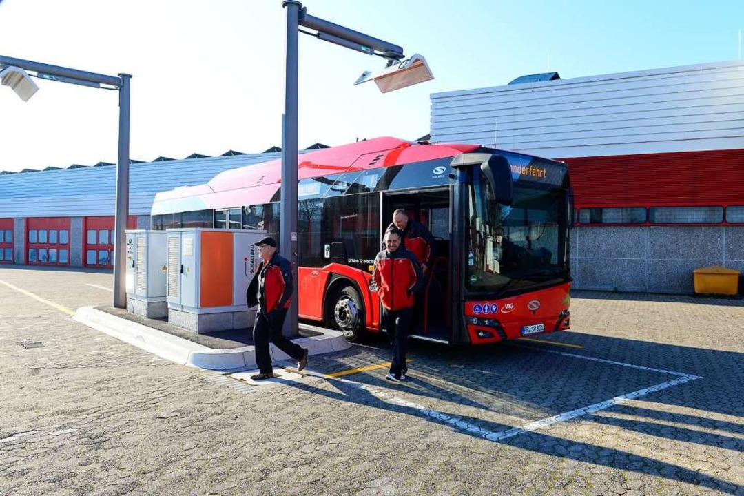 Fahrgäste, Anwohner und das fahrende P...it den neuen Fahrzeugen  (Archivbild).  | Foto: Ingo Schneider