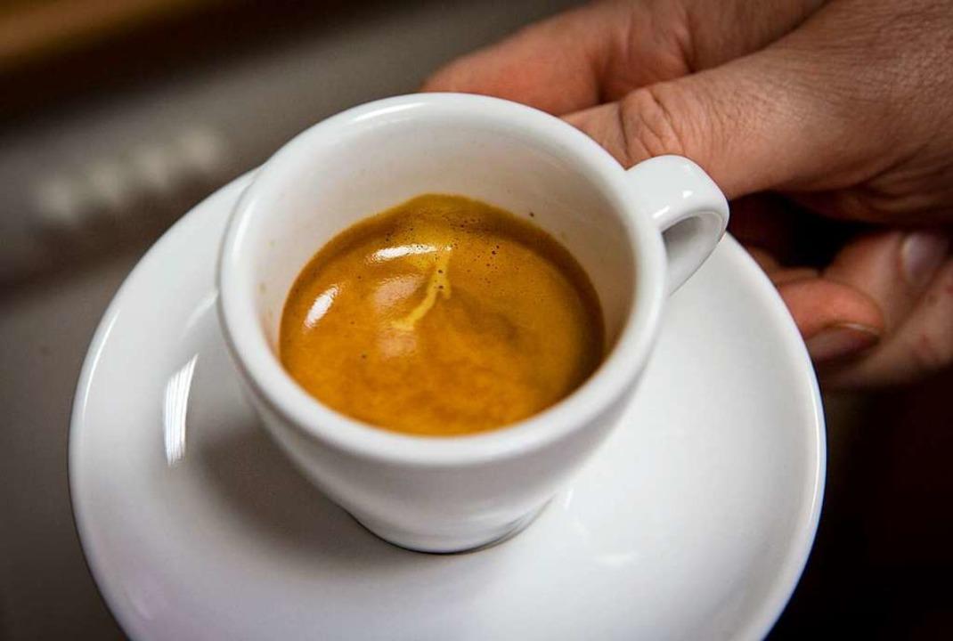 Italien ist stolz auf seine Kaffeetrad... kostet normalerweise rund einen Euro.  | Foto: Frank Rumpenhorst (dpa)