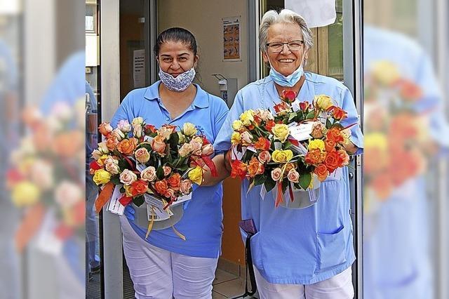 Blumen für die Heimbewohner
