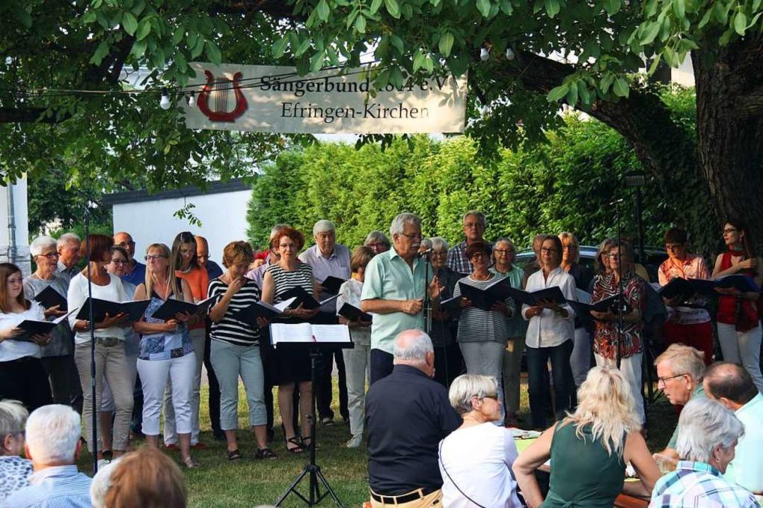 Der Sängerbund Efringen-Kirchen und Di...ar dies ein Garant für Konzerterfolge.    Foto: Yvonne Siemann