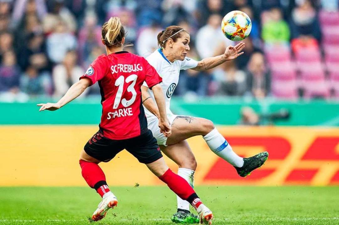 Dass der DFB nun auch den Frauen ermög... ein  Signal, meint Andreas Strepenik.  | Foto: Marcel Kusch (dpa)