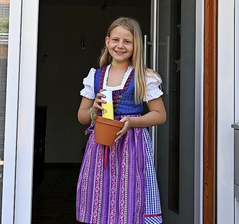 <BZ-FotoAnlauf>Kandern-Wollbach:</BZ-F...> Statt einem Umzug gab es ein Präsent  | Foto: Lilly Müller