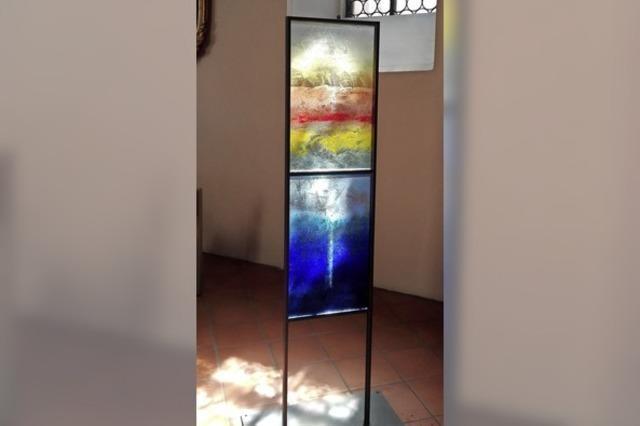Glaskunstobjekte in zwei Kirchen ausgestellt