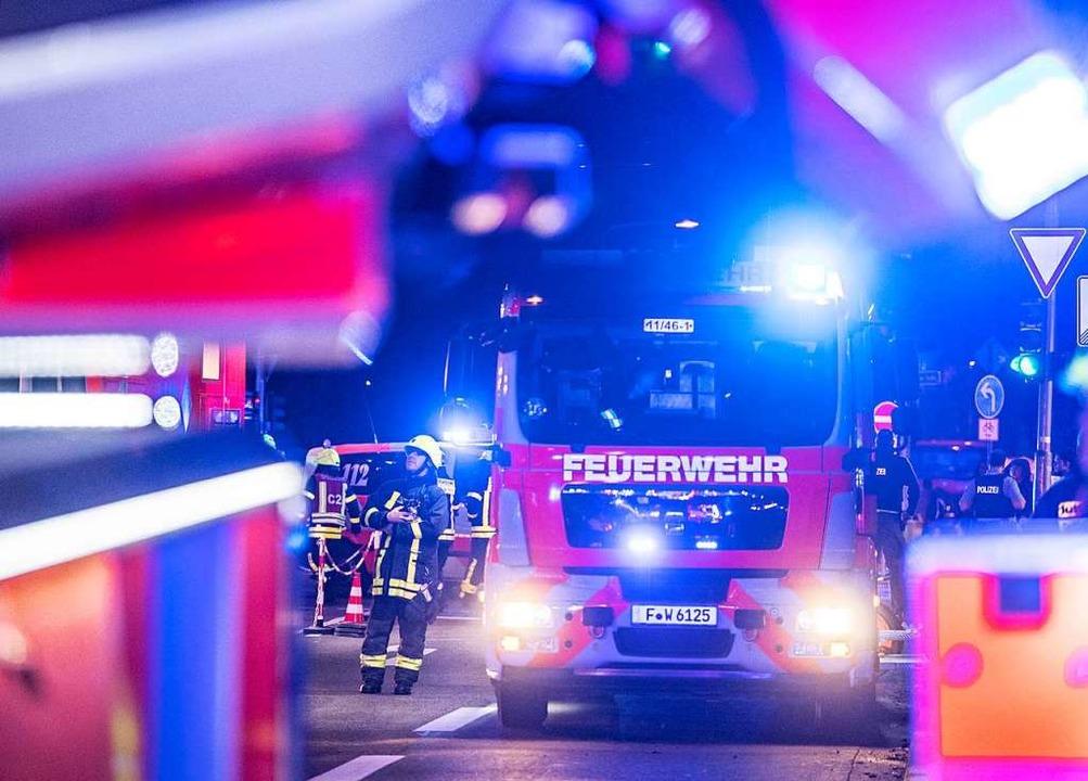 Einsatz für die Feuerwehr (Symbolbild)  | Foto: Boris Roessler (dpa)