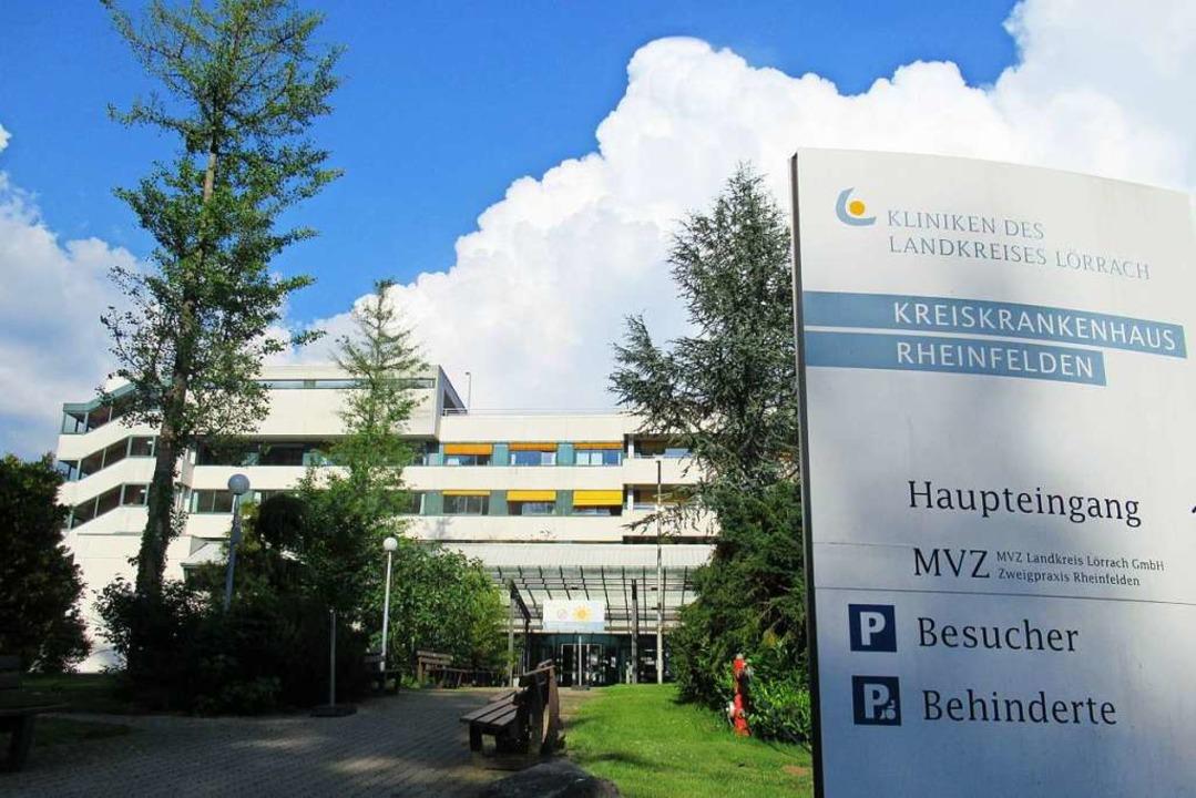 Überlebt das  Kreiskrankenhaus in Rhei...s? Der Förderverein hat seine Zweifel.  | Foto: Elena Borchers