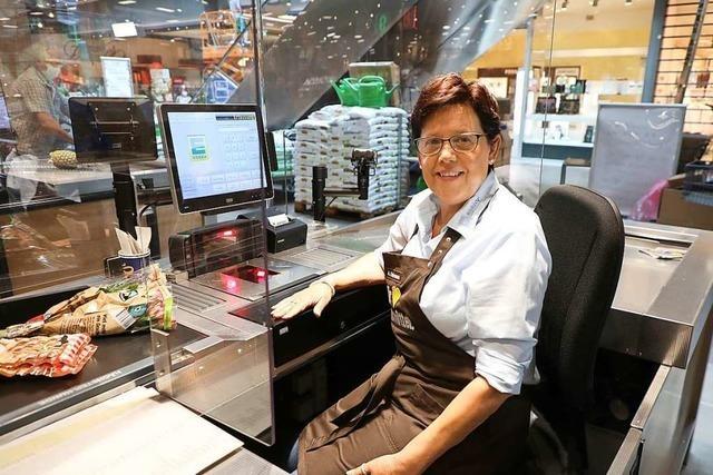 Seit 20 Jahren arbeitet die Ettenheimerin Andrea Edelmann an der Kasse im Edeka in Lahr