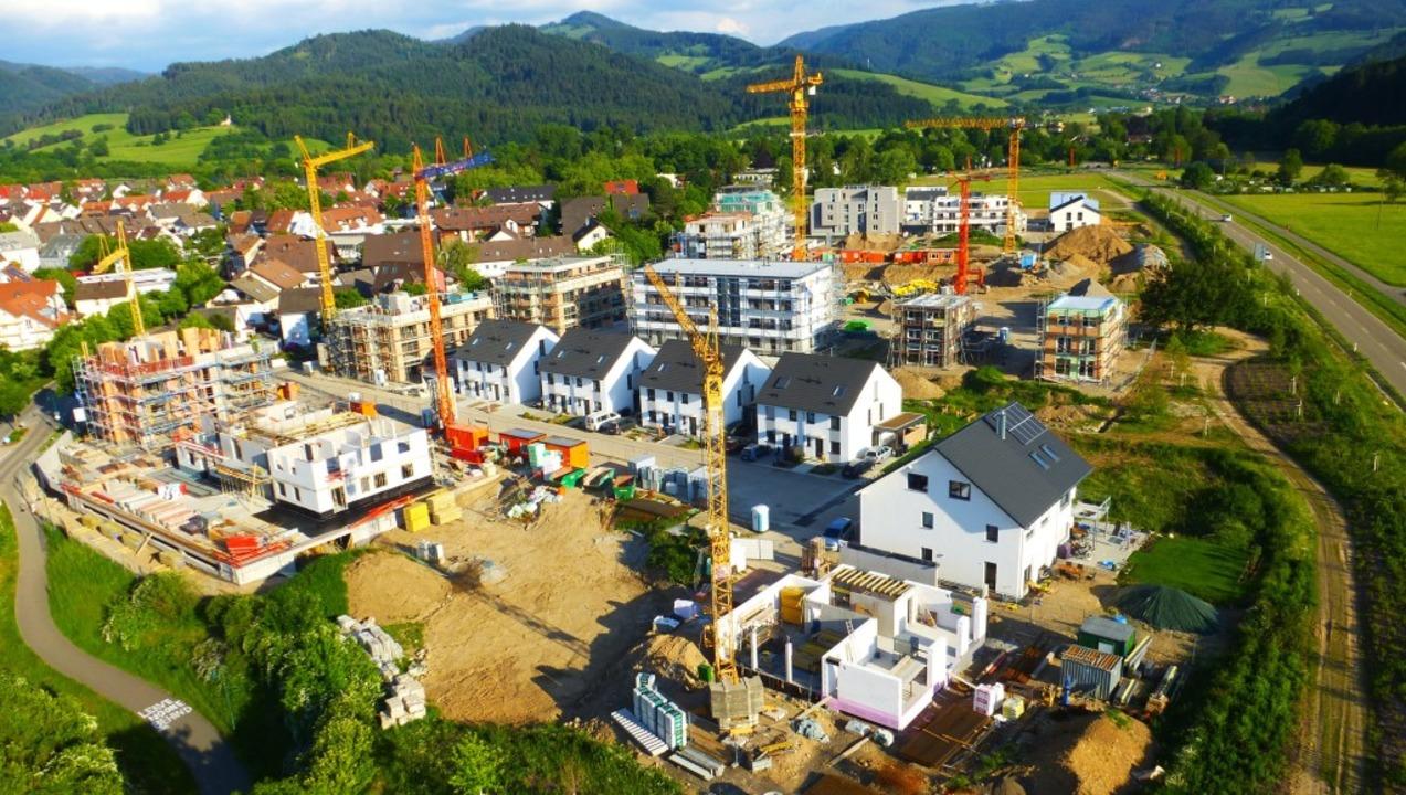 Im Neubaugebiet am Kurhaus in Kirchzar...t zurückgestellt – wegen Corona.  | Foto: Voker Jung