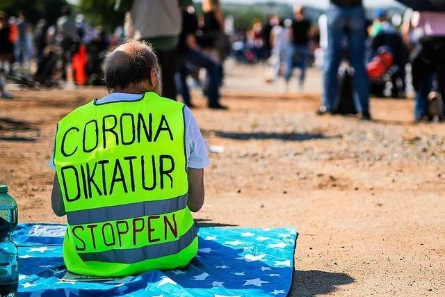 Strobl warnt vor Rechtsextremen auf Demos gegen Corona-Auflagen