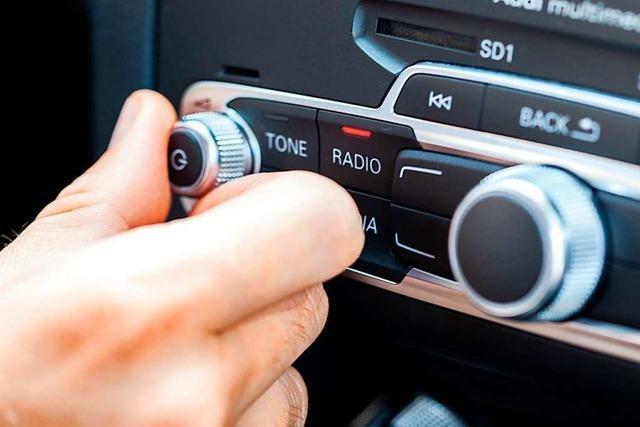 Auto in Schopfheimer Tiefgarage aufgebrochen und Radio geklaut