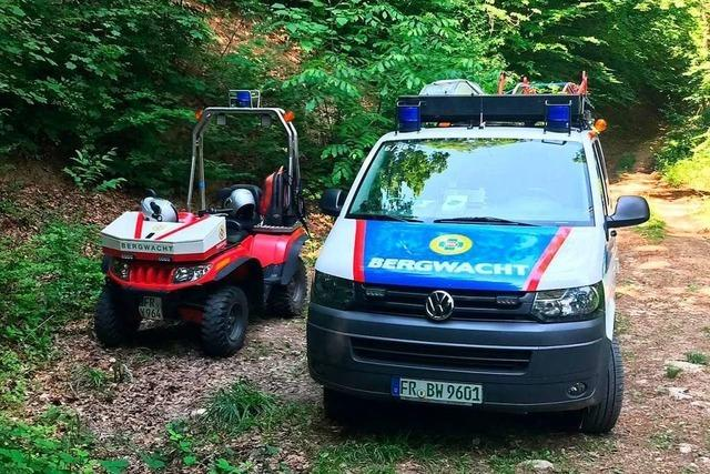Zwei Wanderer bei der Schwärze von Bergwacht Sulzburg gerettet