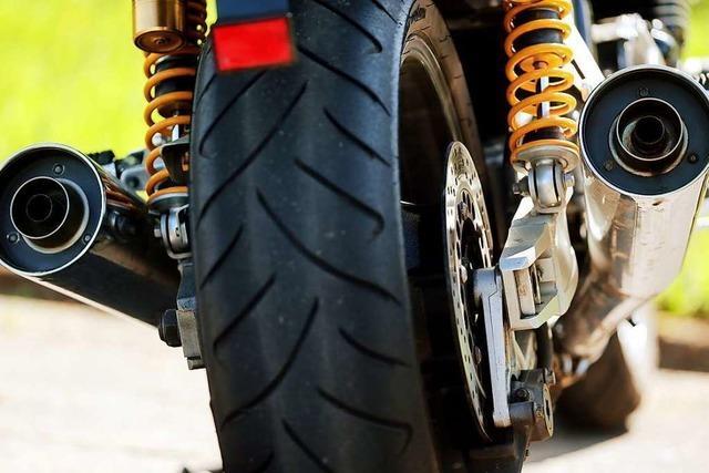 Anzeigetafeln mahnen Motorradfahrer im Kreis Lörrach künftig zu mehr Ruhe