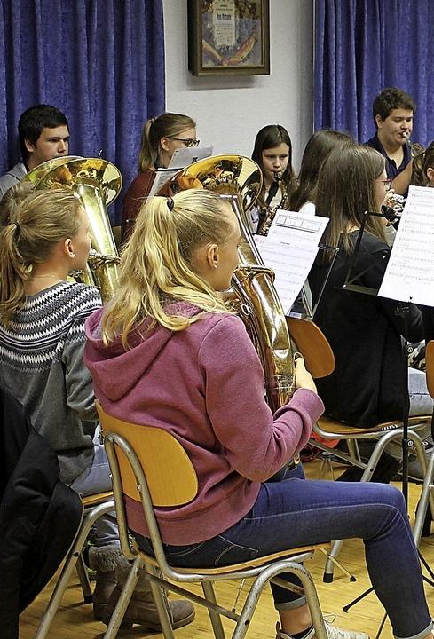 Bürgermeister Thomas Kaiser befürchtet...ände wegen Nachwuchsmusiker verlieren.  | Foto: Cornelia Liebwein