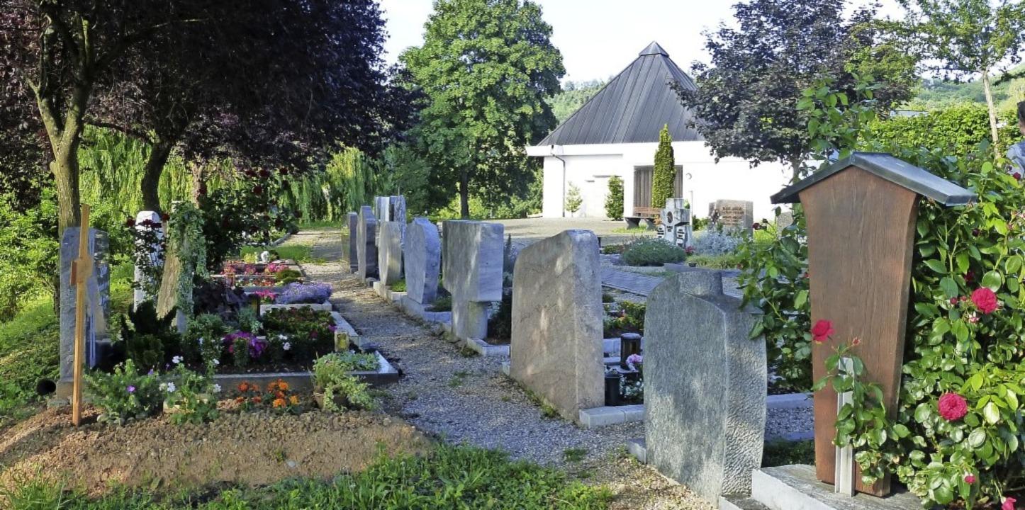 Für Menschen mit Rollatoren besser beg...inger Friedhof umgesetzt werden soll.   | Foto: Andrea Gallien