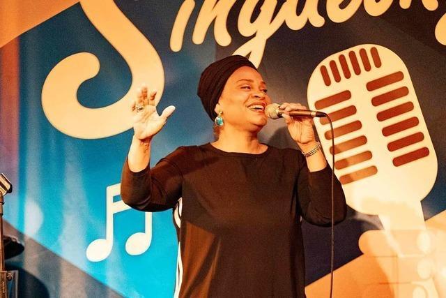 Jetzt live: Der BZ-Singalong mit Cécile Verny im Freiburger Jazzhaus