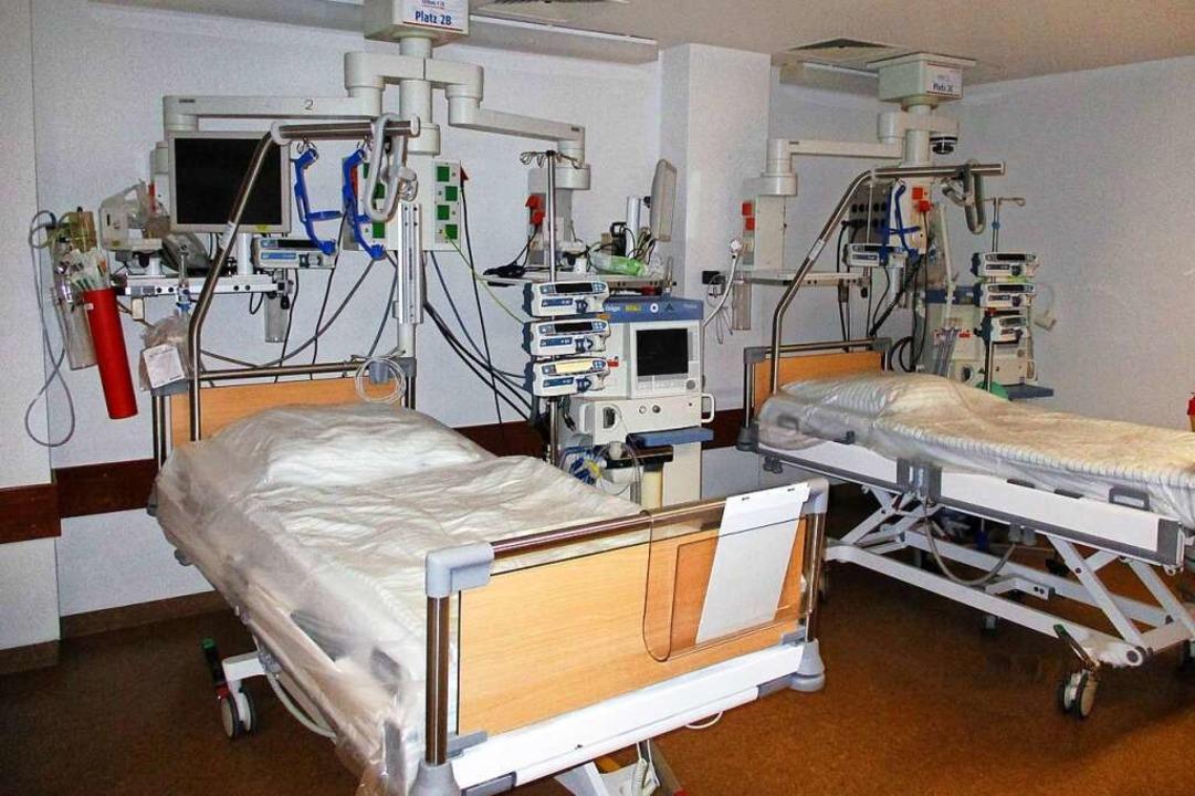 Rund 120 solcher Intensivbetten hat da...au-Klinikum in kurzer Zeit geschaffen.  | Foto: klinikum